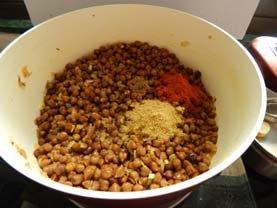 Black Gram Curry Kala Chana Curry_7