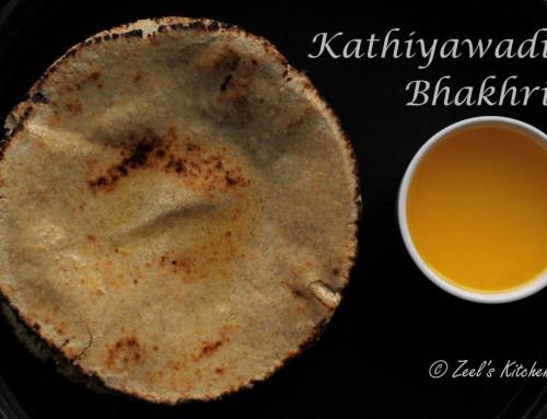 Kathiyawadi Bhakhri | Gujarati Bhakhri Recipe